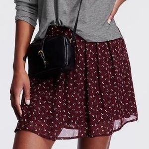 Old Navy Maroon Floral Pleated Mini Skirt Small